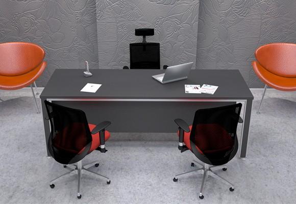 ians-desk-web-2-580x400